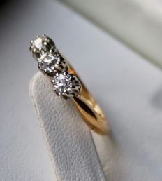 Handcrafted Antique 585/14Kt. golden ring (or engagement) with 3 European old cut diamonds ca. 0.50ct. H/VS in wonderful state.
