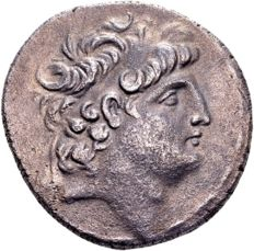 Greek Antiquity - Seleucide Empire Antiochos VIII 121-96 B.C., AR Tetradrachme (28 mm, 15.96 g) Damaskos 116/15 B.C.