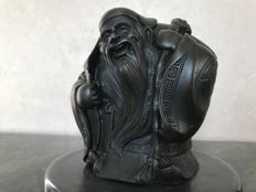 Chinese bronze statue with signature representing a wise man - China - late 20th century