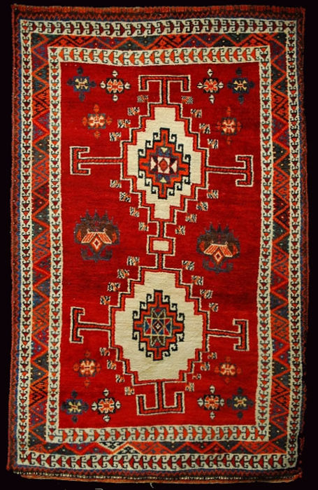 Authentic, original Persian Shiraz rug – Persia/Iran, 1940-1950 – Hand-knotted – Size: 190 x 120 cm – With certificate of authenticity from an official appraiser – (Galleria Farah 1970)