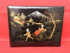 Photo album with lacquered cover and bone decoration – Japan – Early 20th century