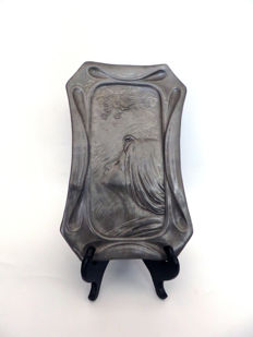 Juventa Prima Metal - Art Nouveau pewter dish with an image of a lady