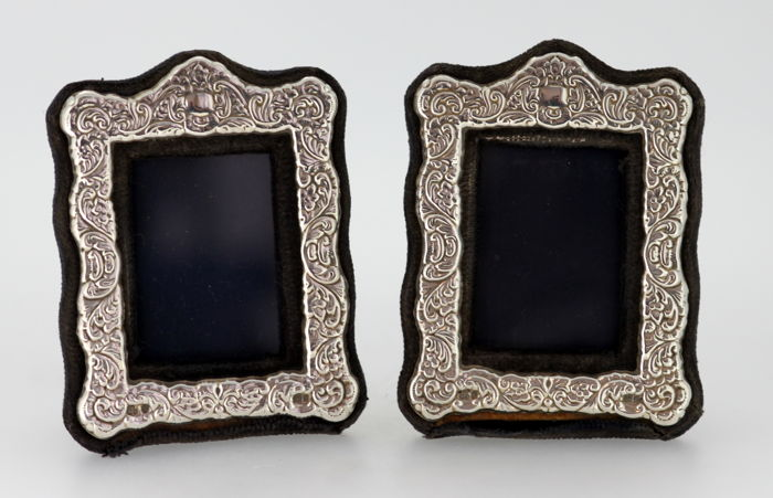 Pair of vintage sterling silver, wooden and glass picture frame, London 1985, D R&S