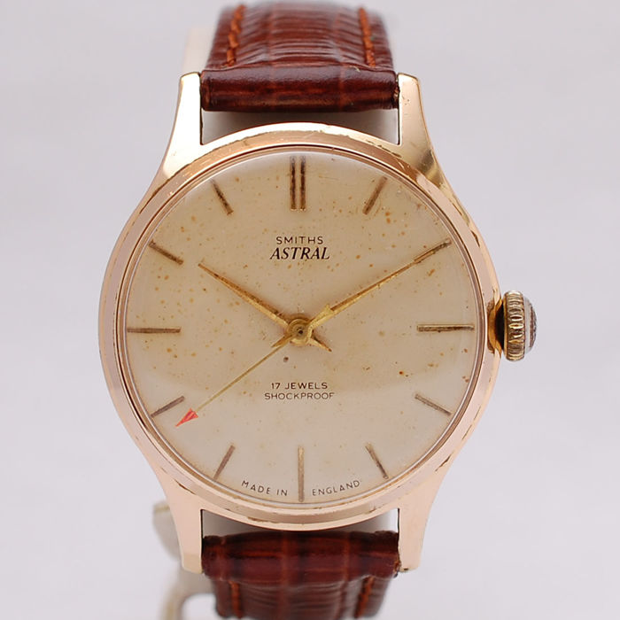 A lovely vintage Gents Smiths watch available now ...