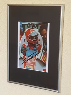 Niki Lauda - Ex-formula 1 world champion - original autographed framed photo + COA.