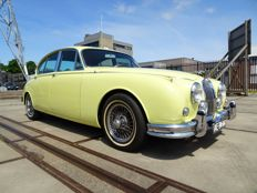Jaguar MK2 (MKII / Mark 2) 3.8L Sports limousine - 1967