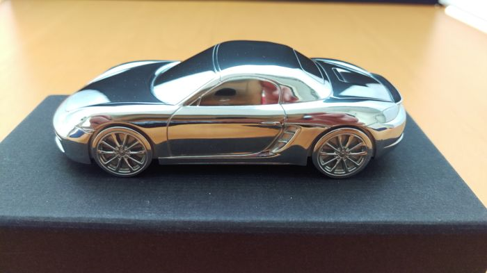 Porsche 718 Boxster S 2016 - solid aluminium Paperweight in luxury gift packaging - scale 1/43