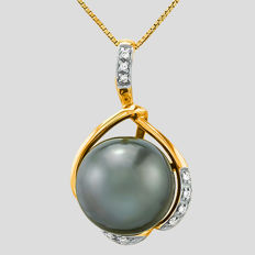 14kt yellow gold pendant set with Tahitian black pearl 13.68 mm **no reserve price**