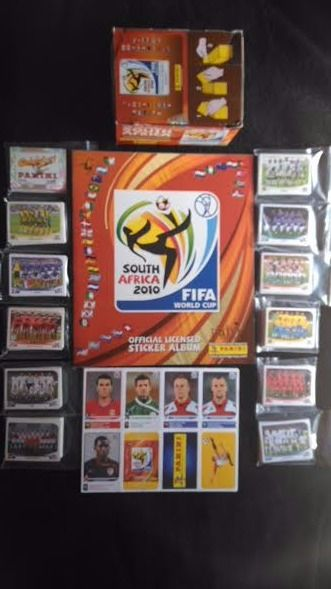 Panini - Fifa World Cup South Africa 2010 - complete 638 loose stickerset + Update 77 Stickers + Empty box + empty album.