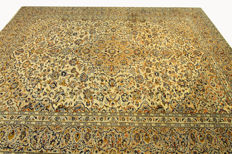 Fine Persian carpet, Kashan, 4.00 x 3.00, cream, genuine hand-knotted oriental carpet, top condition, no. 90