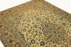 Fine Persian carpet, Kashan, Iran, 3.60 x 2.40, cream, genuine hand-knotted oriental carpet, top condition, no. 115