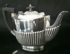 Silver tea pot with mark of George Wish Ltd, Sheffield - 1913