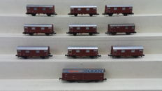 Roco N -  9 closed freight wagons type Gmmhs 56 and 1 x track cleaning wagon