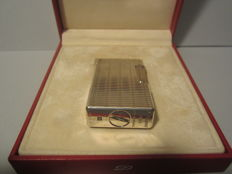 Fine Dupont Paris lighter, vintage large model in mint condition.