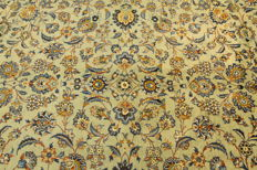 Fine Persian carpet, Kashan, Iran, 4.06 x 3.18 m, pistachio green, genuine hand-knotted oriental carpet, top condition, no. 95