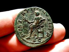 Roman Empire -  Gordian III (238-244 A.D.) bronze sestertius (20,20 g. 30 mm.) Rome mint, 241-243 A.D. P M TR P IIII COS II P P. Apollo seated.