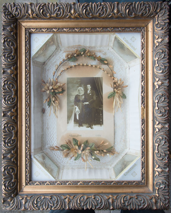 Wedding Photo in depth framework with attributes of O. Tippmann-Maroldt, Diekirch, Luxembourg, circa 1900