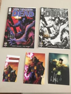 The Walking Dead #1 - Exclusive Chicago Con black & white - & colour variants - 2x sc - (2015)