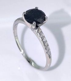 14kt gold ring with a black diamond total  1.05 ct - white diamonds 0,10ct size 53 *** No reserveprijs ***