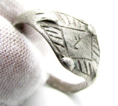 Viking Silver Ring with Decorated Bezel - 19mm