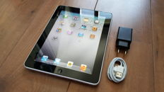 Apple iPad 1 (A1337) , 64GB with 3G!