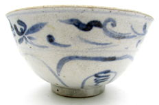 Hoi An Shipwreck - Indo Chinese Bowl with Floral Motif - D 136 x H 70mm