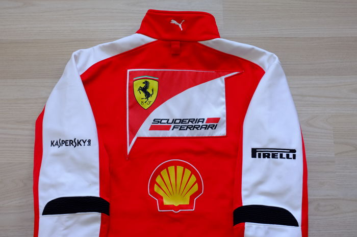 Genuine 2013 Scuderia Ferrari Racing Team Puma softshell jacket