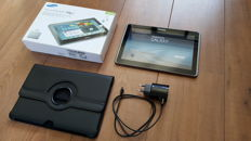 Samsung Galaxy Tab 2 10.1 with original box ,charger and leather look cover/stand