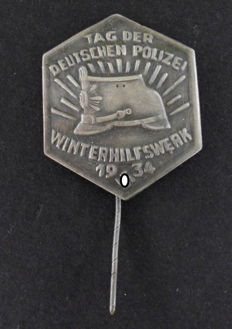 Conference badge former WHW 1934 police day, with manufacturer mark, rare