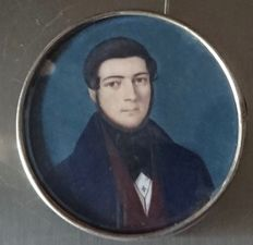 Old pendant brooch with miniature painting, Italian Notable early 19th