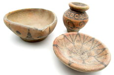 Lot of 3 Indus Valley Painted Terracotta - bowl = 95x34mm, small plate = 70x20mm and jar = 50x54mm - Zoomorphic Motifs (3)