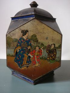 Unique Tea container with Japanese decorations - ca. 1900