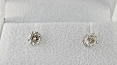 1.02 ct round diamond stud earrings 14 kt white gold *** No reserve price ***