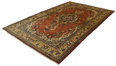 (Dimensions 210 x 132 cm) Authentic Hamadan Persian rug, original hand-knotted – Persia (Iran) – Circa 1940-1950 – With Certificate of Authenticity by official appraiser – GalleriaFarah1970