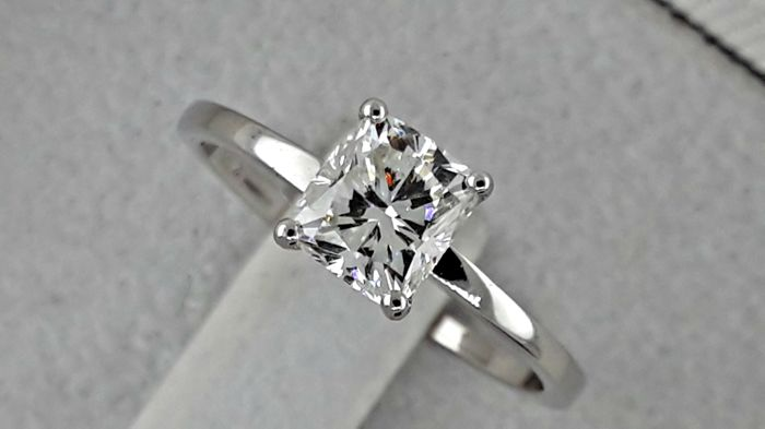 IGL 1.01 ct D/SI1 cushion diamond ring made of 18 kt white gold - size 6.5