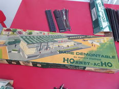 Hornby/Acho H0 - 1960 station and accessories