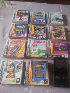 Game boy advance sp  incl 19 games - 16 of those are still sealed.