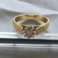 18ct golg ring set diamond Dia: 17mm