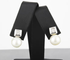 18 kt/750 White gold – Earrings with brilliant-cut diamonds in square bezel setting, white gold and Australian South Sea pearls