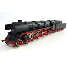 Arnold N - 82215 - Steam locomotive with tender Series BR 05 of the DR
