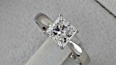 IGL 1.04 ct princess diamond ring made of 18 kt white gold - size 7