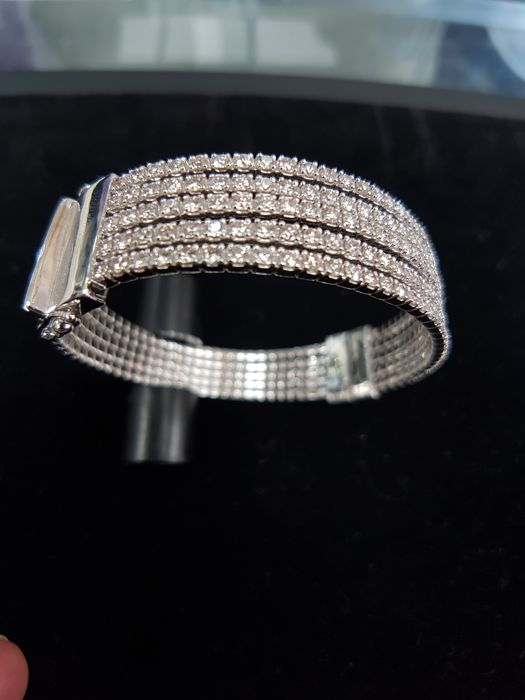 White Gold with Diamonds Bangle total Carat 4.44 ct - Size Approx. 55mm