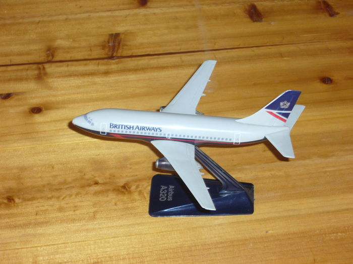 Plastic model airliners - Catawiki