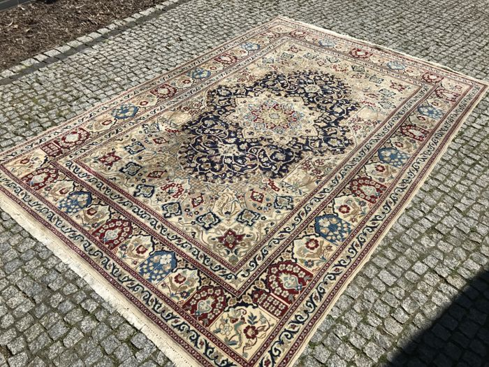Perfect Persian / Iran NAIN Rug-315x205cm -hand knotted - UNIQUE DESIGN WITH ANIMALS