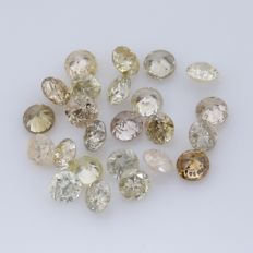 24 Round Brilliant Diamonds – 0.33 ct.  - no reserve price