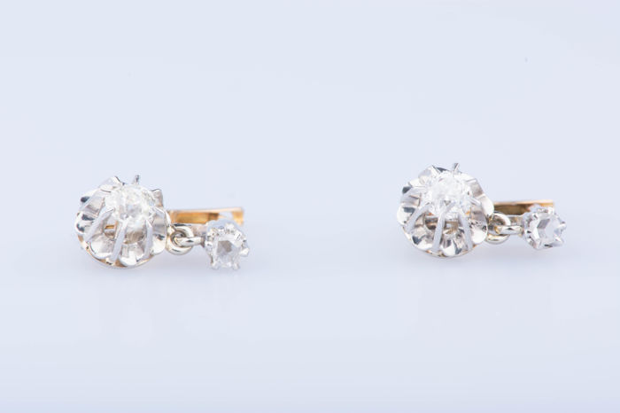 Earrings in yellow and white gold 18 kt 2 diamonds of approx. 0.40 ct 2 diamonds of approx. 0.06 ct