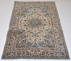 ISPHAHAN. Hand knotted  Persian Rug, Isphahan  160 x 104cm. Rare Collectible rug carpet / Approximately 1,200,000 knots/m²