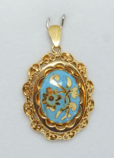 18 kt gold Pendant Turquoise paste - width:22,6mm -height without the ring: 27,4mm