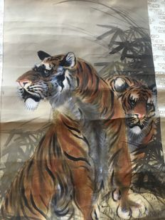"Painting on scroll, hand-painted on silk, signed Kazan – ""Two Tigers"" – Japan – Circa 1910"