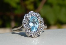 Aquamarine ring in 18 kt white gold, 10 diamonds on 18 kt white gold — size 55